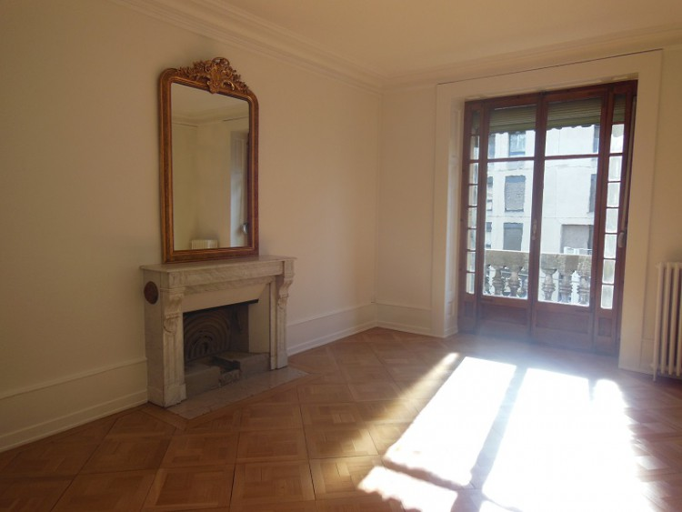 PLAINPALAIS – Appartement de 4 pièces au 3ème étage<br/>CHF 2'400.-